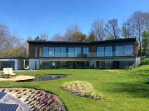 Skyhouse facade in April sunshine