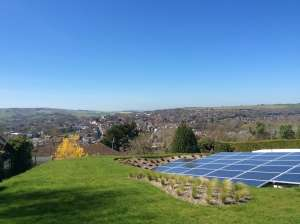 32 solar panels in garden, for optimal elevation and solar generation