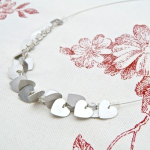 Small heart cluster neckpiece